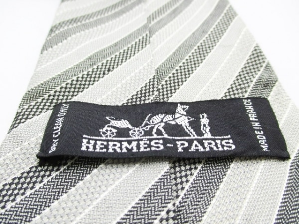 HERMES(エルメス) ネクタイ メンズ ライトグレー×黒 ストライプ