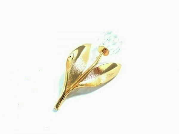 スワロフスキー ブローチ美品  金属素材×スワロフスキークリスタル ゴールド×クリア