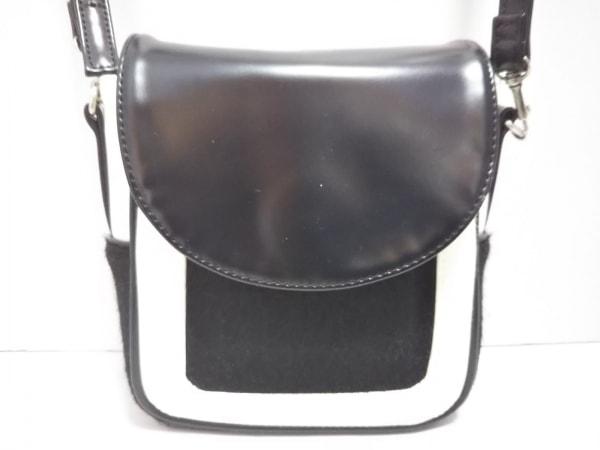SLY(スライ) ショルダーバッグ美品  黒×白 合皮×化学繊維