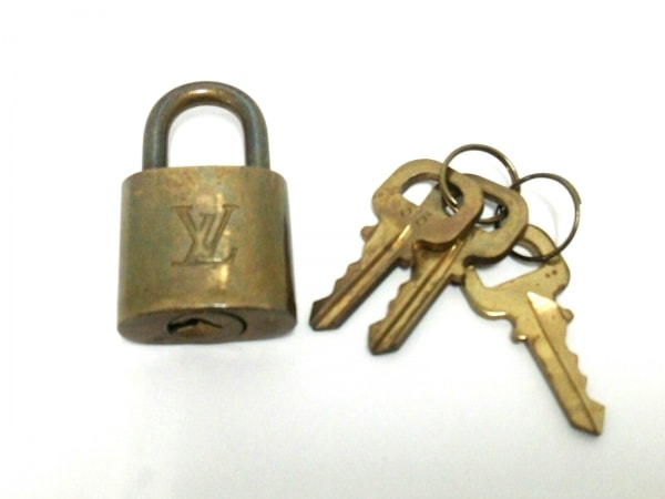 LOUIS VUITTON(ルイヴィトン) 小物 パドロック R10000 ゴールド 315 真鍮