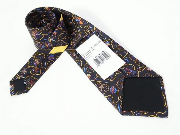 SalvatoreFerragamo(サルバトーレフェラガモ) ネクタイ メンズ新品同様  黒×マルチ