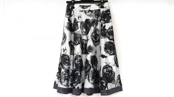M'S GRACY(エムズグレイシー) スカート サイズ38 M レディース 白×グレー×黒 花柄
