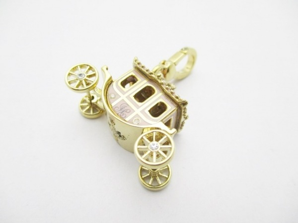 ジューシークチュール キーホルダー(チャーム) ゴールド×ピンク ラインストーン/馬車