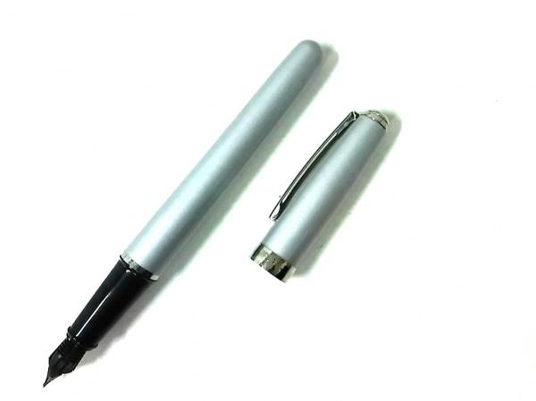シェーファー 万年筆新品同様  ライトグレー×シルバー インクなし 金属素材