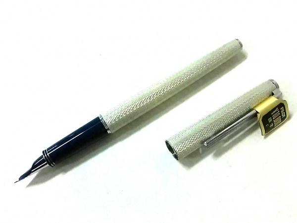 PILOT(パイロット) 万年筆新品同様  シルバー インクなし/ペン先18K 金属素材