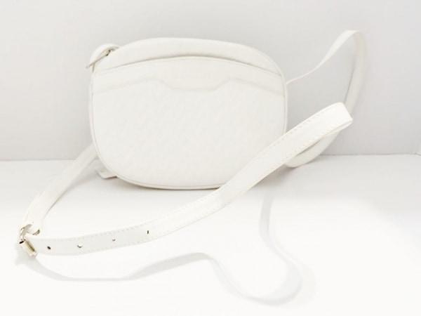 LANCEL(ランセル) ショルダーバッグ 白 型押し加工 レザー