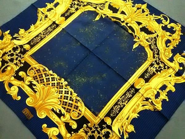 GIANFRANCO FERRE(ジャンフランコフェレ) スカーフ美品  イエロー×ネイビー×マルチ