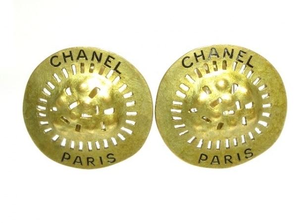 CHANEL(シャネル) イヤリング 金属素材 ゴールド
