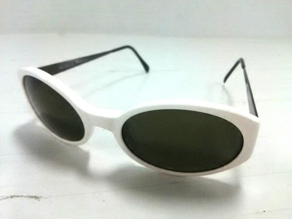 OLIVER(オリバーバレンチノ) サングラス新品同様  黒×白 プラスチック×金属素材