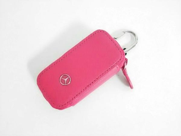 Mercedes-Benz(メルセデスベンツ) キーホルダー(チャーム)新品同様  ピンク レザー