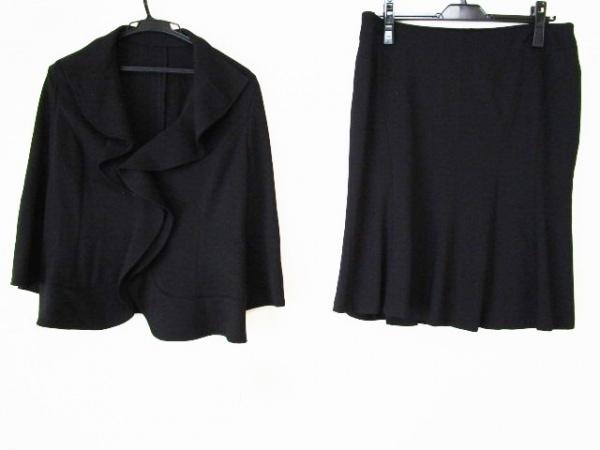 Cara(カーラ) スカートスーツ レディース美品  黒 フリル