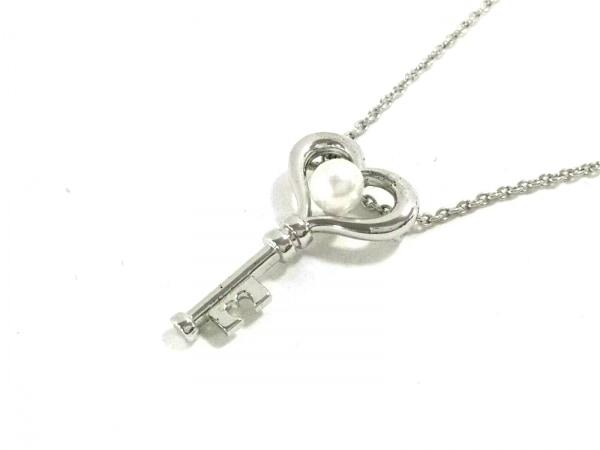 田崎真珠(タサキシンジュ) ネックレス美品  シルバー×パール 白 ハート/鍵