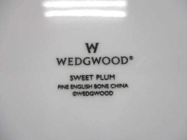 ウェッジウッド プレート新品同様  SWEET PLUM 白×グリーン×マルチ 花柄 陶器
