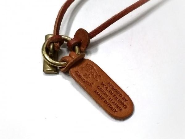IL BISONTE(イルビゾンテ) ネックレス美品  レザー×金属素材 ブラウン×ゴールド