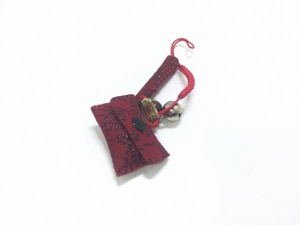印傳屋(インデンヤ) キーホルダー(チャーム)美品  レッド×黒 スエード
