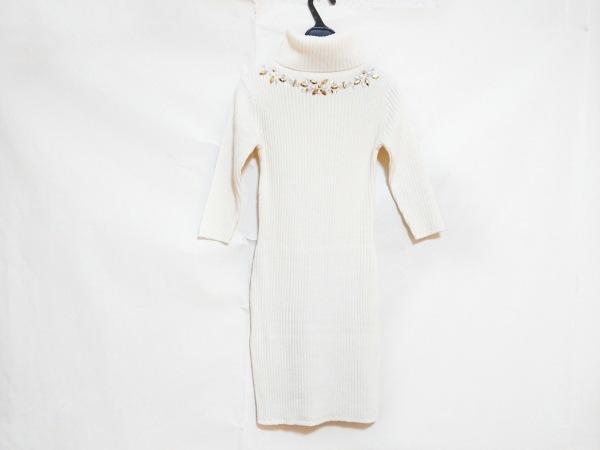 レディ ワンピース レディース美品  アイボリー ニット/タートルネック/ビジュー