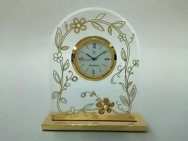 mikimoto(ミキモト) 小物美品  クリア×ゴールド 置時計(動作確認できず)/ネーム刻印