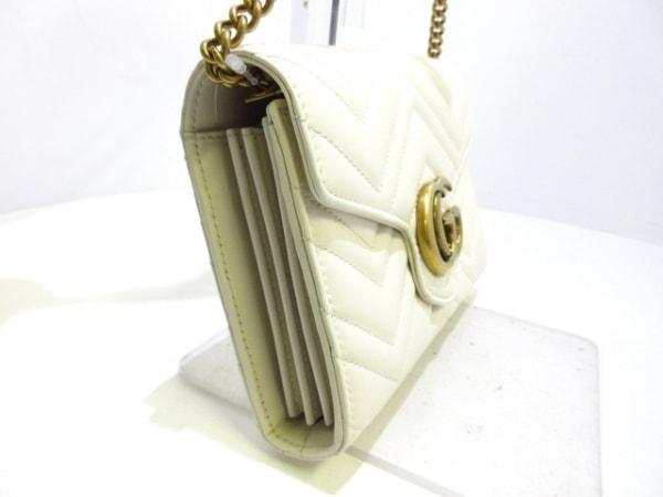 グッチ ショルダーバッグ美品  GGマーモント 474575 アイボリー×ゴールド レザー