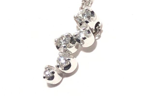 4℃(ヨンドシー) ネックレス美品  K18WG×ダイヤモンド 5Pダイヤ