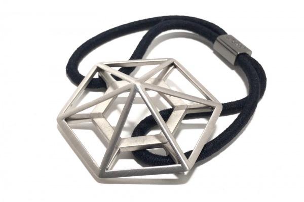 コレットマルーフ アクセサリー美品  プラスチック×化学繊維 シルバー×黒 ヘアゴム
