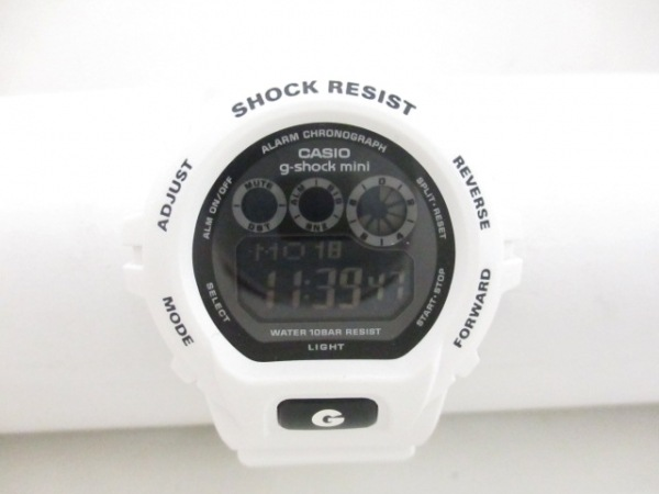 CASIO(カシオ) 腕時計新品同様  g-shock mini GMN-691 レディース 黒