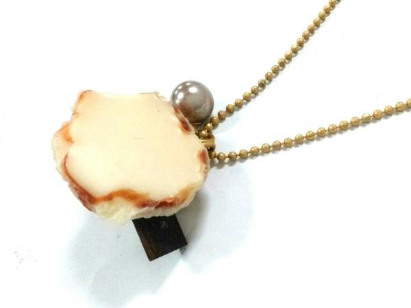 Q-pot.(キューポット) ネックレス PVC(塩化ビニール)×金属素材×フェイクパール