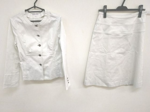 HANAE MORI(ハナエモリ) スカートスーツ レディース美品  ライトグレー 蝶