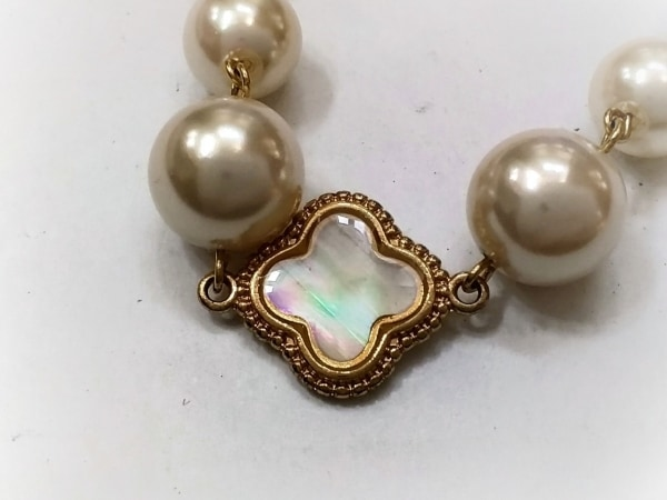 Leilian(レリアン) ネックレス美品  フェイクパール×金属素材 アイボリー×ゴールド