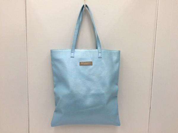 ブルガリパフューム トートバッグ美品  - ライトブルー 型押し加工 合皮