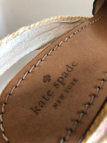 Kate spade(ケイトスペード) サンダル 7 レディース 黒×アイボリー×マルチ 化学繊維