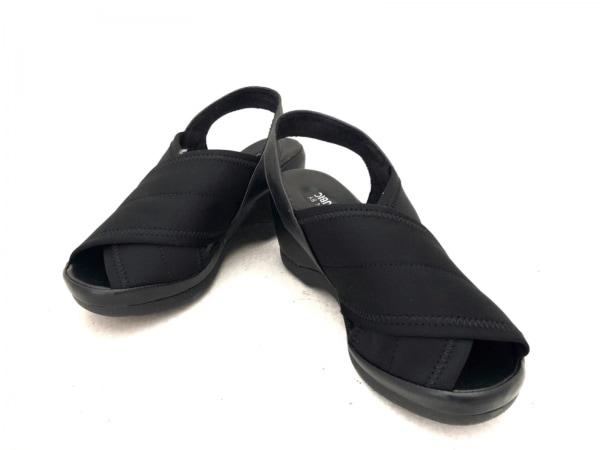 アルファキュービック サンダル S EEE レディース 黒 オープントゥ 化学繊維×合皮