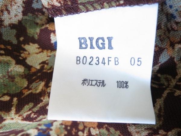 MOGA(モガ) チュニック レディース美品  ブラウン×マルチ 肩パッド/花柄