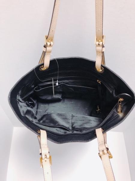 MICHAEL KORS(マイケルコース) ショルダーバッグ新品同様  黒×ベージュ レザー