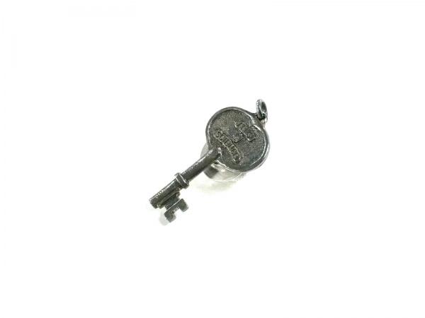 ARTS&SCIENCE(アーツアンドサイエンス) ブローチ 金属素材 シルバー 鍵