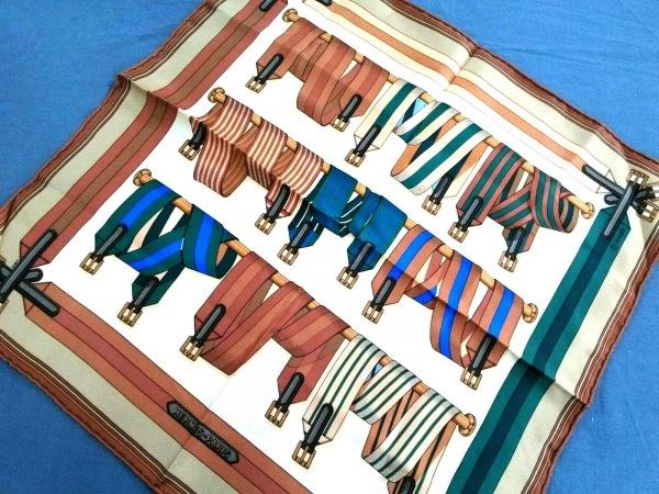 HERMES(エルメス) スカーフ新品同様  プチカレ ブラウン×ベージュ×マルチ
