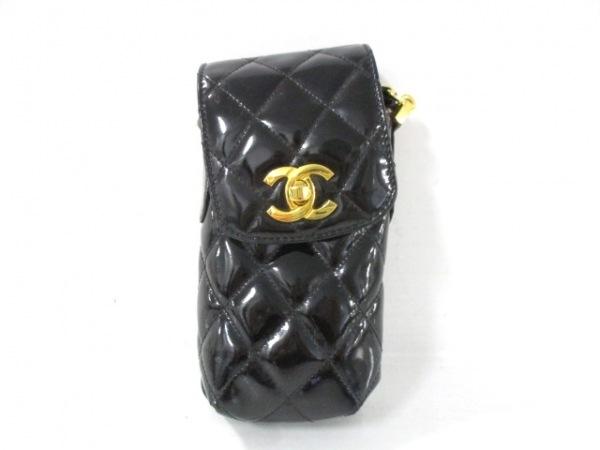 CHANEL(シャネル) 携帯電話ケース マトラッセ 黒 チェーンショルダー/ゴールド金具