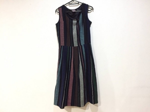 yangany(ヤンガニー) ワンピース サイズ38 M レディース新品同様  黒×マルチ 刺繍