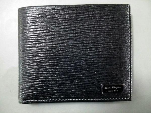 SalvatoreFerragamo(サルバトーレフェラガモ) 2つ折り財布新品同様  - 黒 レザー