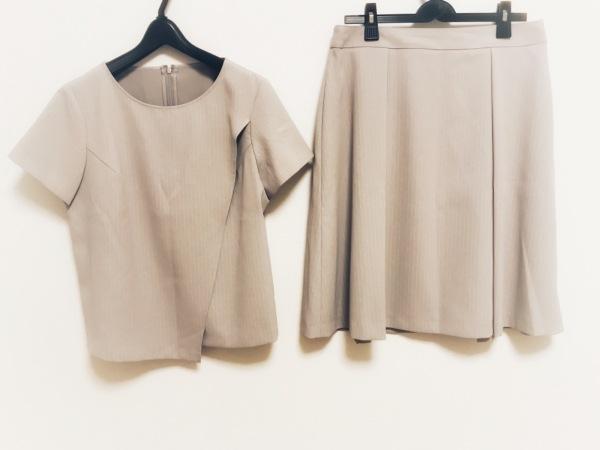 ニューヨーカー スカートセットアップ レディース美品  ベージュ×白 ストライプ