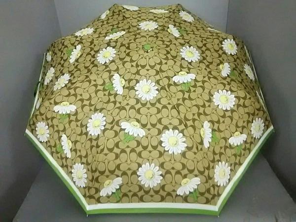 コーチ 折りたたみ傘美品  シグネチャー柄 カーキ×グリーン×マルチ 花柄 化学繊維