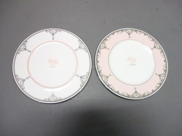 ジルスチュアート プレート新品同様  白×ピンク×シルバー プレート×2 陶器