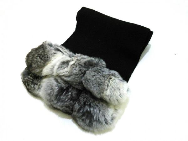FOXEY(フォクシー) マフラー F美品  黒×グレー カシミヤ×チンチラ