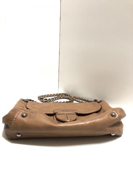 PRADA(プラダ) ショルダーバッグ - ブラウン×シルバー チェーンショルダー/革タグ