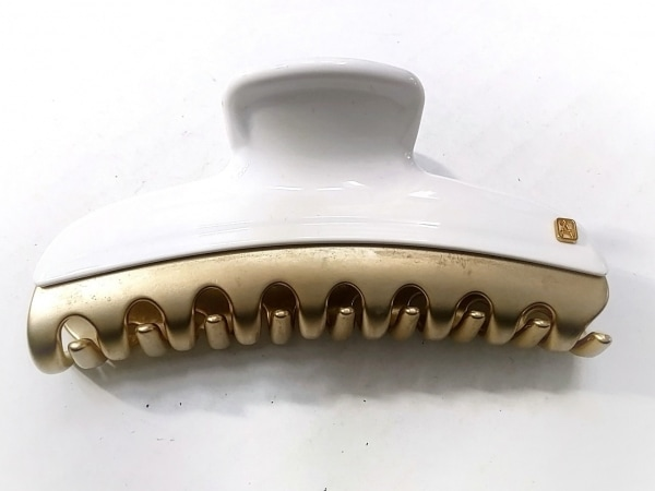 アレクサンドル ドゥ パリ バレッタ プラスチック×金属素材 アイボリー×ゴールド