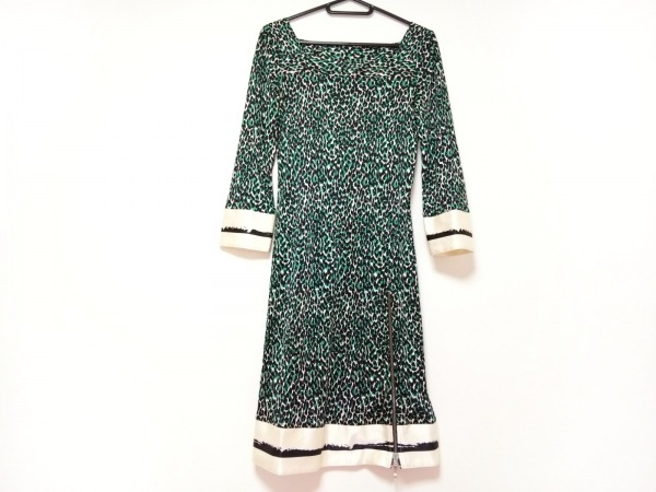 クラスロベルトカヴァリ ワンピース サイズ38 M レディース美品  白×黒×グリーン