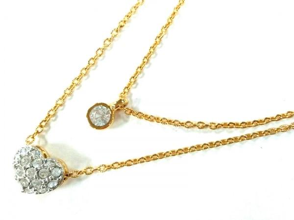 スワロフスキー ネックレス美品  金属素材×スワロフスキークリスタル ハート