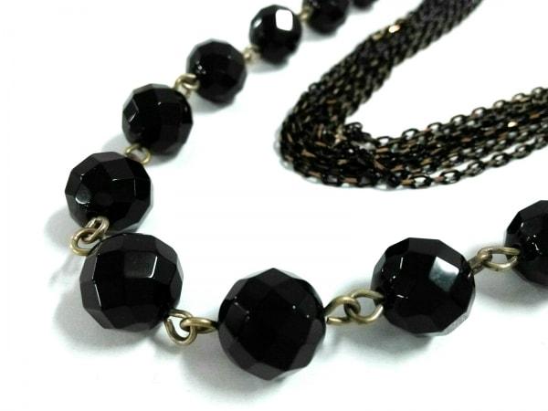 kong qi(コンチィー) ネックレス美品  プラスチック×金属素材 黒×ゴールド