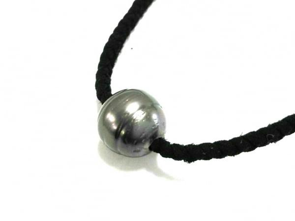 ロバートワンタヒチ ネックレス美品  レザー×パール×シェル 黒×白