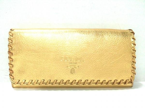 60e39d35598a PRADA(プラダ) 財布美品 - ゴールド ショルダーウォレット レザーの中古 ...