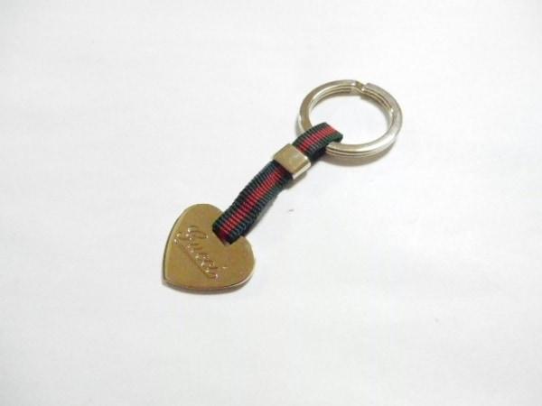 グッチ キーホルダー(チャーム)美品  シェリー ゴールド×グリーン×レッド ハート